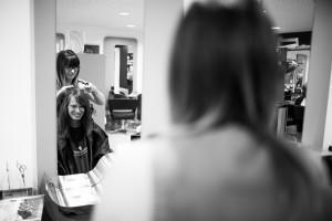 mariée chez le coiffeur