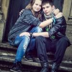 jeune couple pendant une séance portrait a hesperange