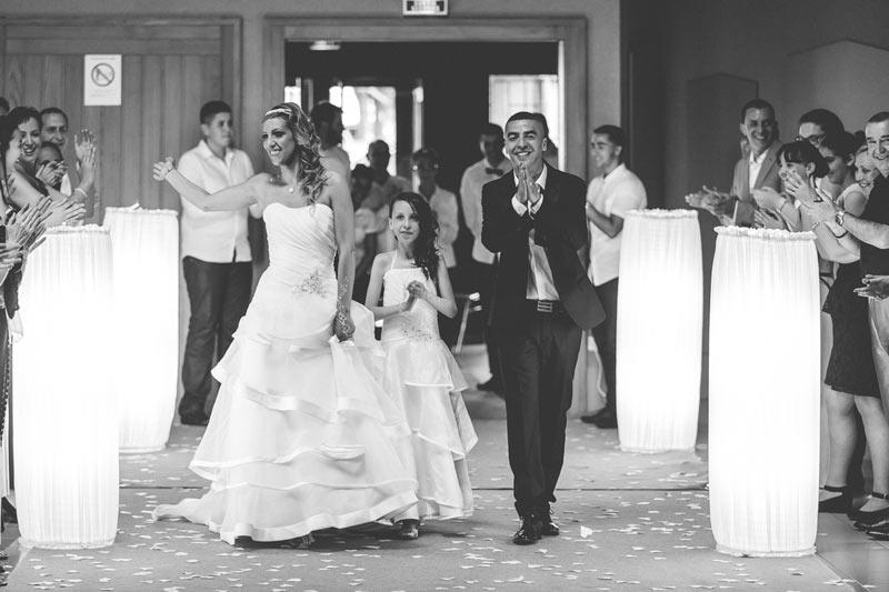l'entrée des mariée dans la salle des fêtes en lorraine