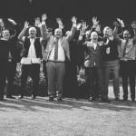photo de groupe consistant de tous les hommes