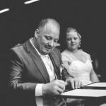 signature du registre par le marié