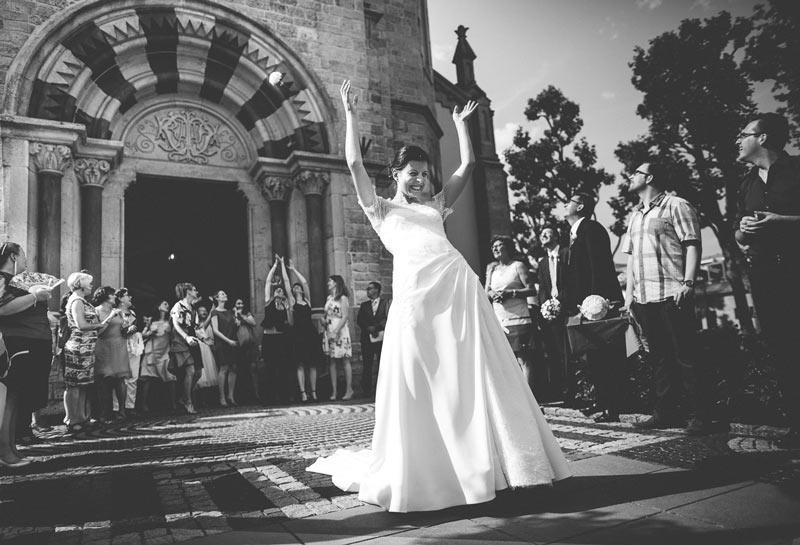 le lancer de bouquet pendant le mariage de bettembourg
