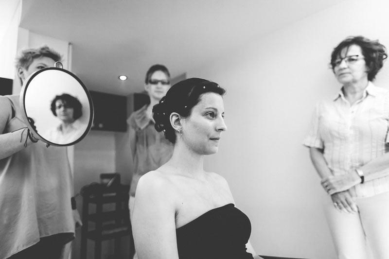 le photographe se fait tout petit dans le salon de coiffure