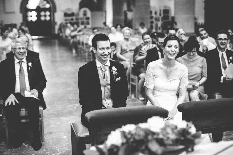 rire des mariés pendant la cérémonie