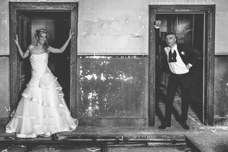 les mariés photographiés au haut fourneaux de Uckange en lorraine