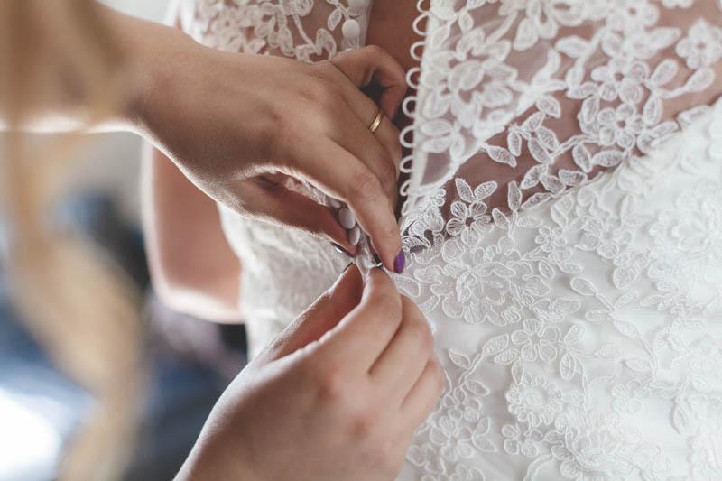 gros plan sur la fermeture de la robe