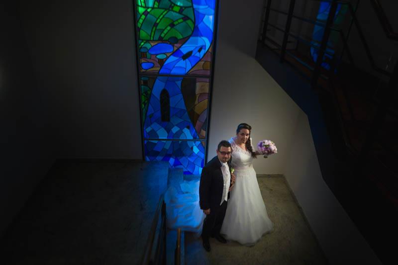 les mariés dans l'escalier de la mairie de Rumelange