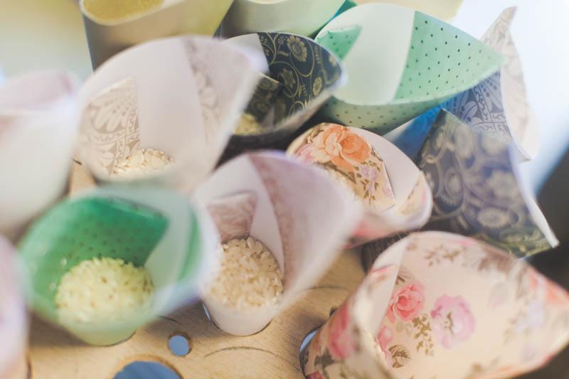 les sachets de riz pour fêter la sortie des mariés