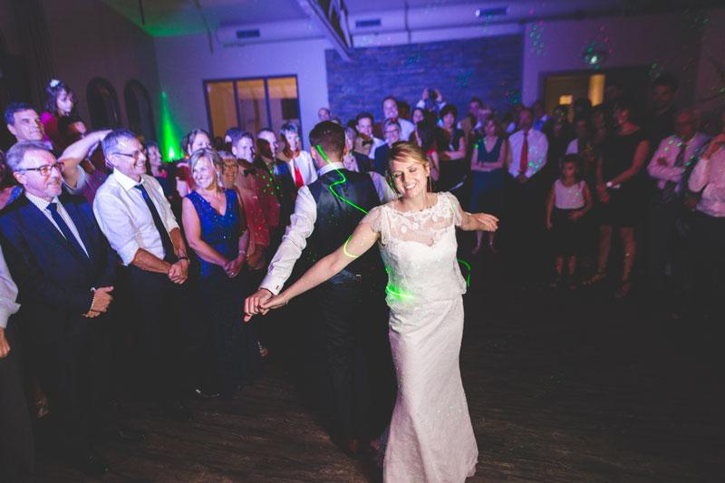 les mariés dansent à Marly en lorraine