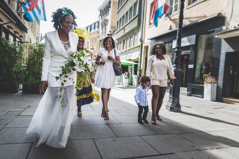 cortège nuptial dans les rues de luxembourg