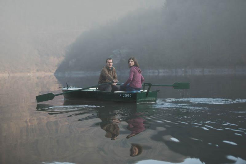 photo de fiançailles en bateau