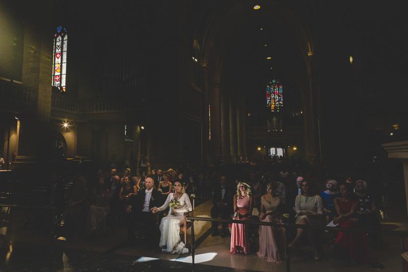 magnifique lumière dans l'église
