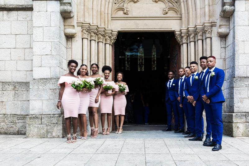 llée des témoins pour acceuillir les mariés à l'église