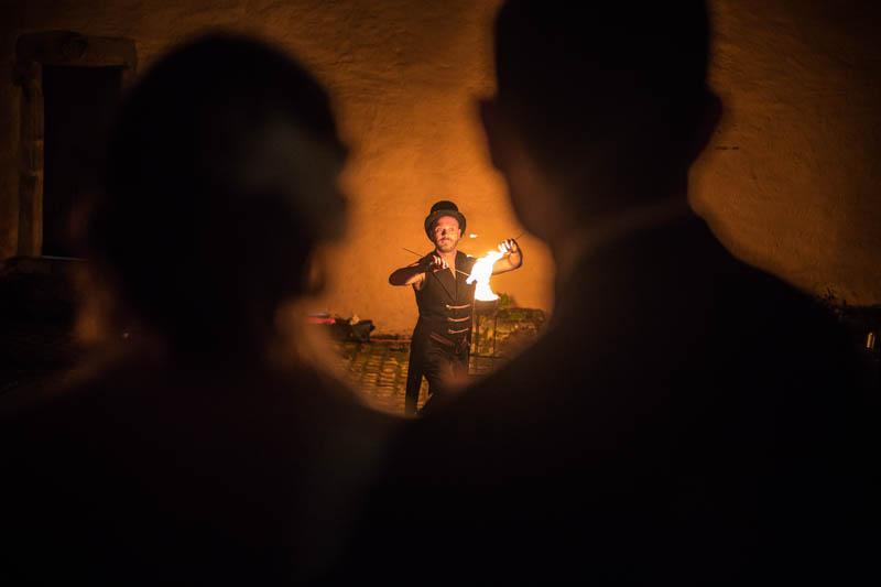 64 spectacle de feu au chateau de bourlingster