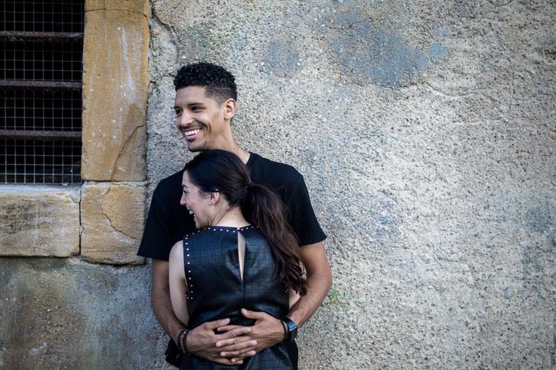un jeune homme et sa chérie à Metz