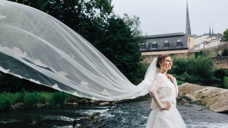 superbe voile de la mariée dans le grund