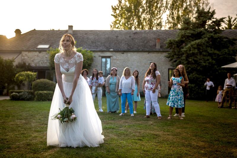 lancé de bouquet par la mariée