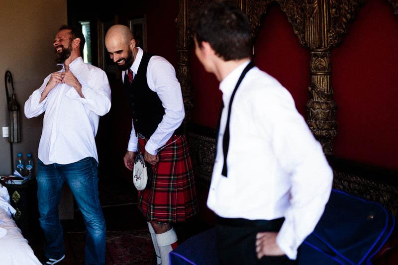 06 fou rire pendant les préparatifs du mariage