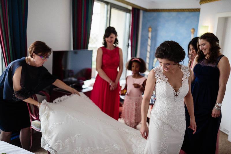 09 longue traine de la robe de mariée