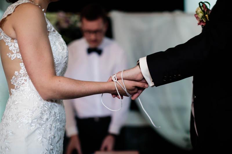 les liens sont passés au mains des mariés
